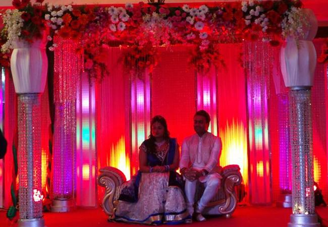 Wedding stage decoration chennai stage decoration junglespirit Gallery